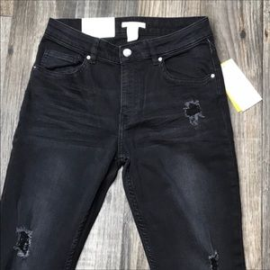NWT- H&M Factory Distressed Skinny Jeans -8
